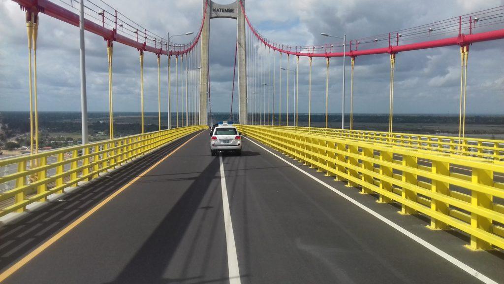 Mosambiks neue, von China finanzierte Maputo-KaTembe-Brücke, die längste in Afrika, beinhaltet hohe Mautgebühren 4